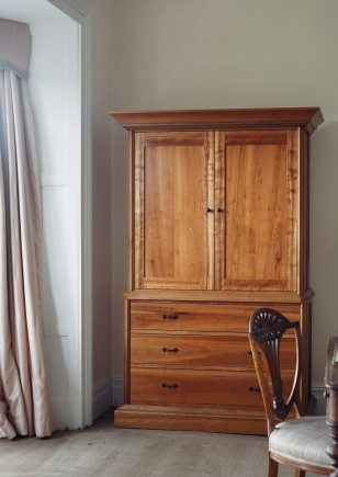 Father armoire